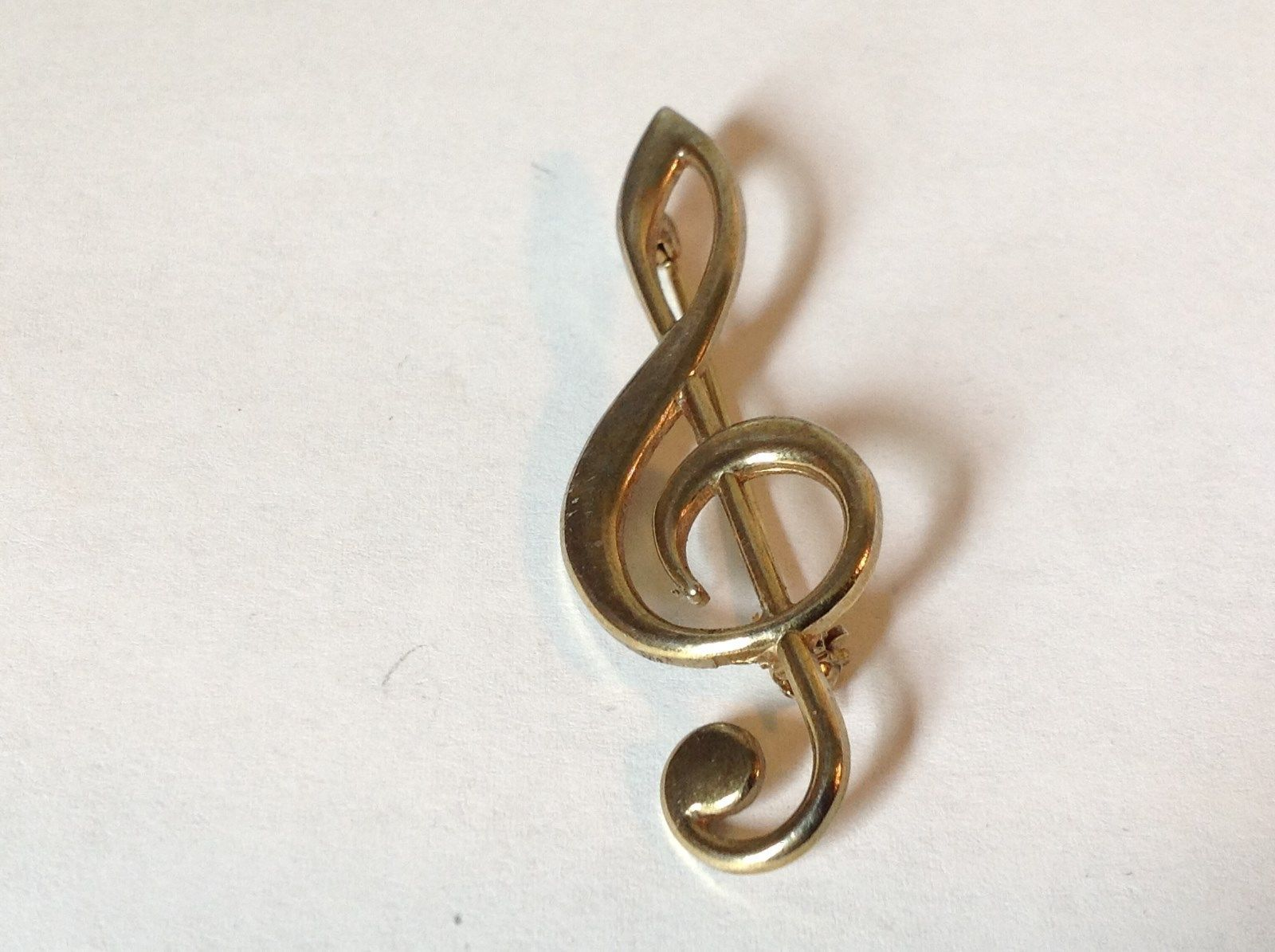 Light Gold Tone Vintage Music Clef Pin Hinge Clasp