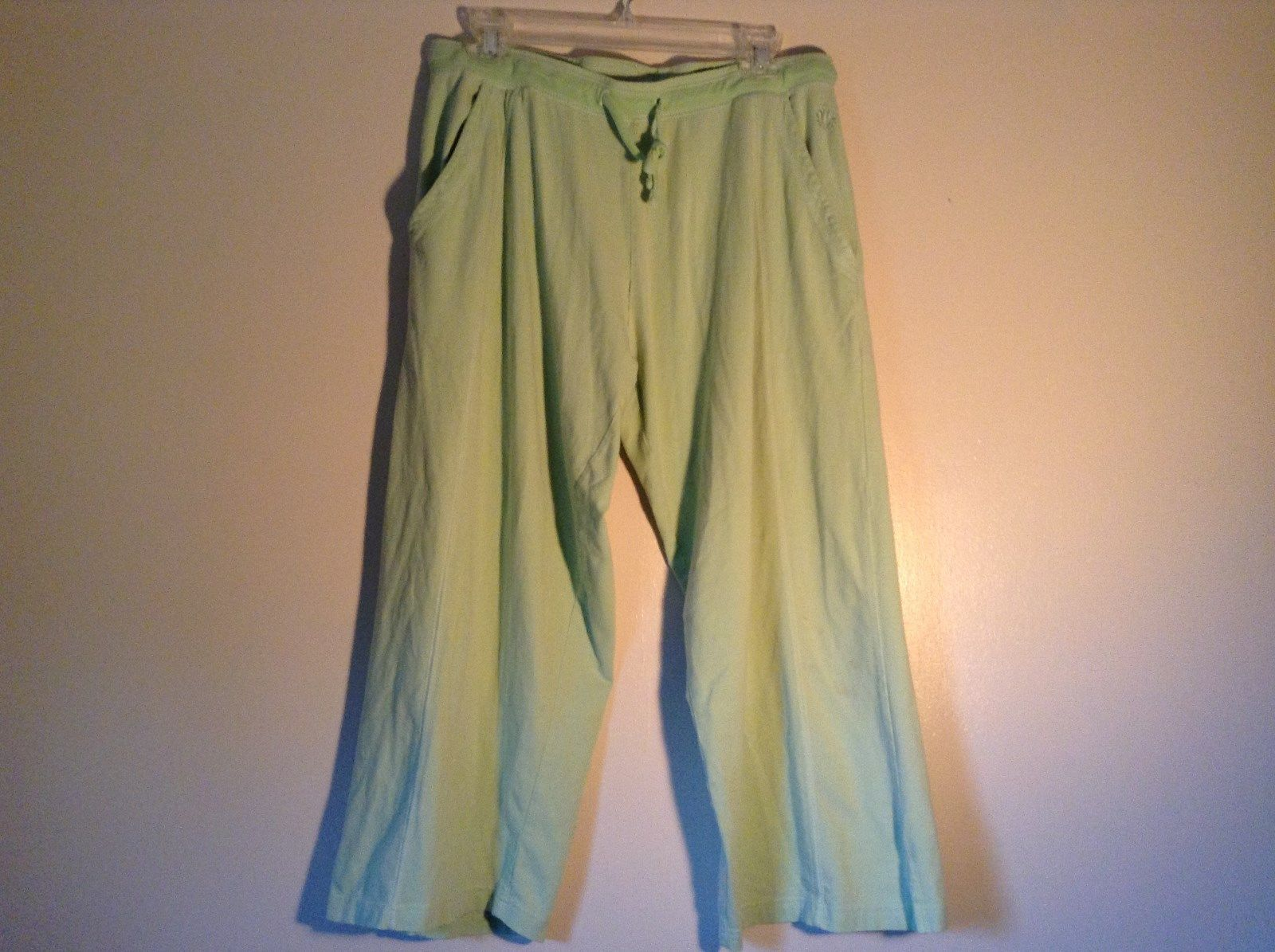 Light Green Comfortable Capri Pants by Green Source Elastic Waist No Size Tag