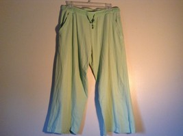 Light Green Comfortable Capri Pants by Green Source Elastic Waist No Size Tag image 1
