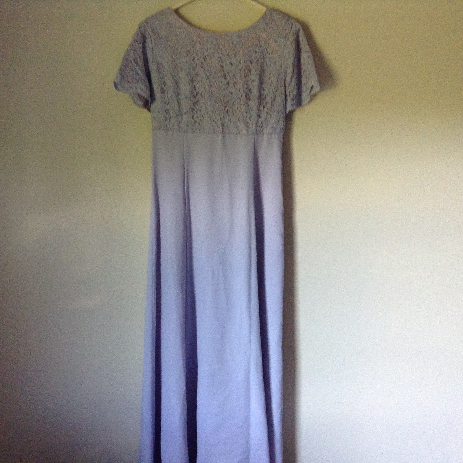 Light Purple Lavender Gown Dress Flowers on Back Light Shoulder Pads No Tag