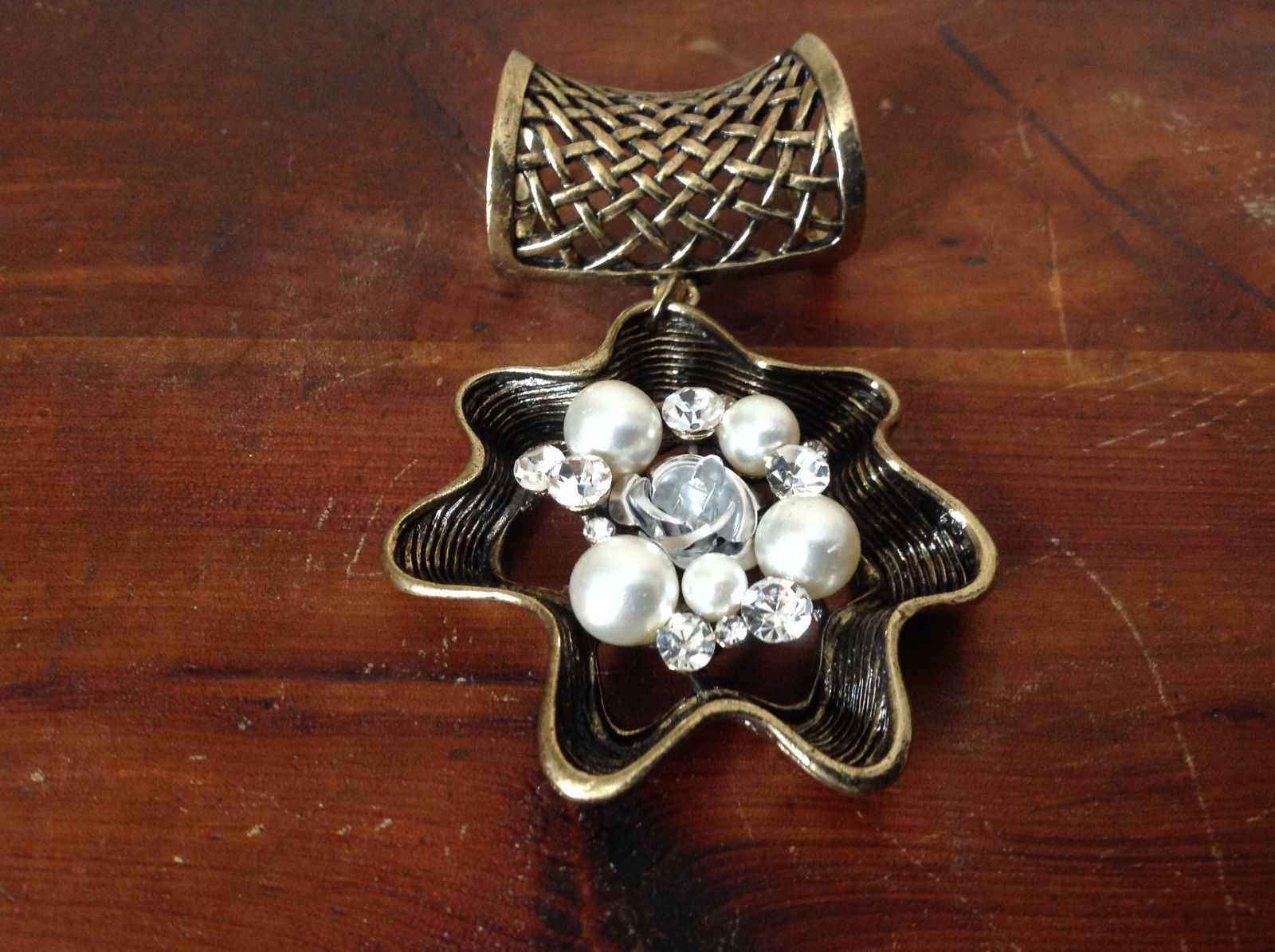 Nice White Beads and Clear Crystals Flower Shaped Gold Tone Scarf Pendant
