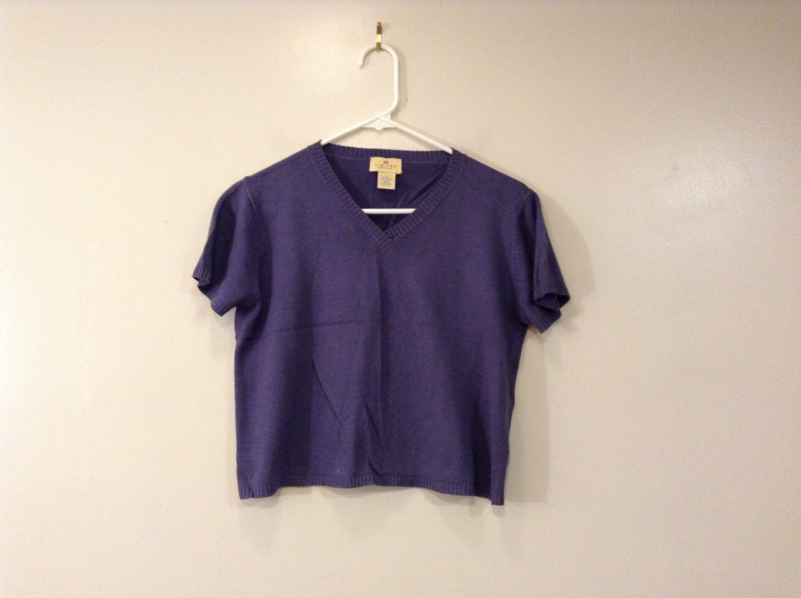 Limited America Short Sleeve Blue Violet V Neck Top Size Medium