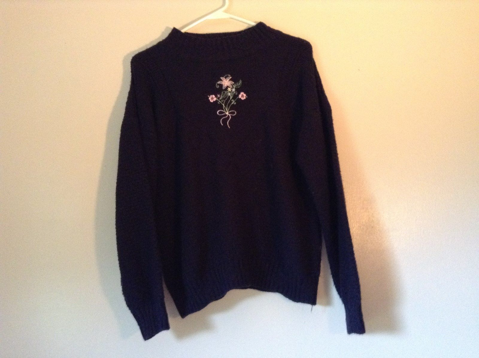 Liz Thomas Casuals Dark Navy Blue Long Sleeve Sweater with Flowers Size M