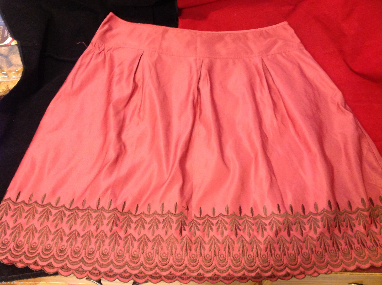 Old Navy Womens Low Rise Waist Pink Skirt with Embroidered Edge Pattern size 16