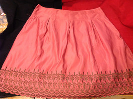 Old Navy Womens Low Rise Waist Pink Skirt with Embroidered Edge Pattern size 16 image 1