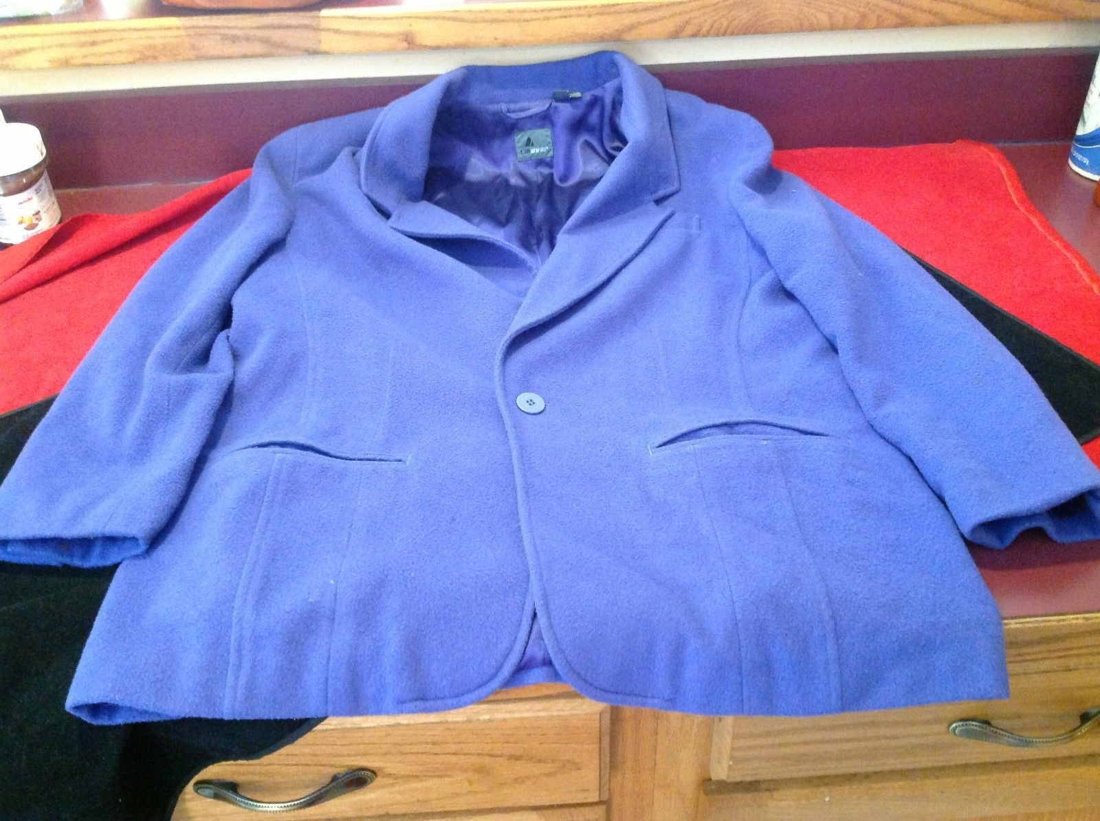 Liz wear Women's purple blazer size 4 made in Philippines
