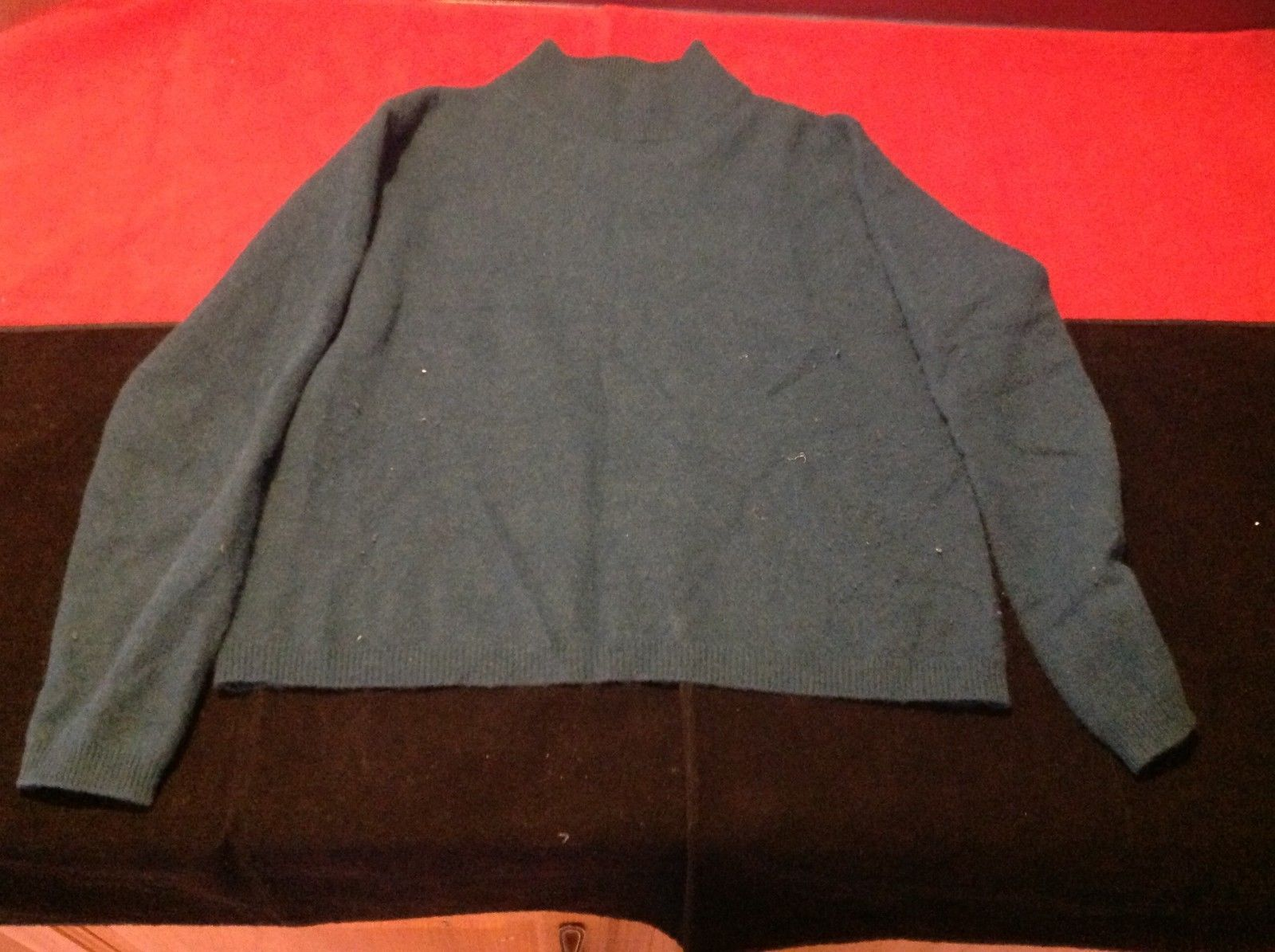 Lord & Taylor Women's turtle neck long sleeve  sweater medium made in hong kong