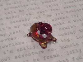 Micro miniature small hand blown red  amber cat lying down   USA  NIB image 2