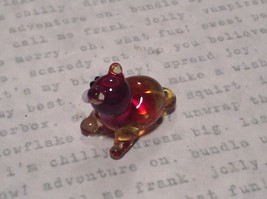 Micro miniature small hand blown red  amber cat lying down   USA  NIB image 5