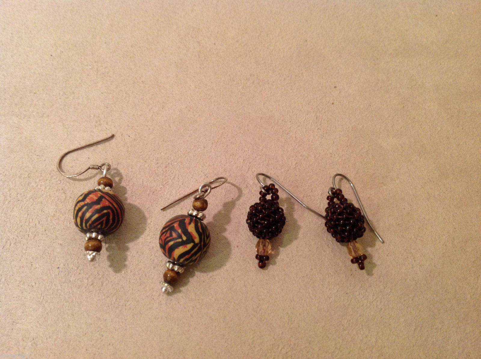 Lot of 2 pairs Dangling Earrings: Zebra print and Brown beaded, wood, glass