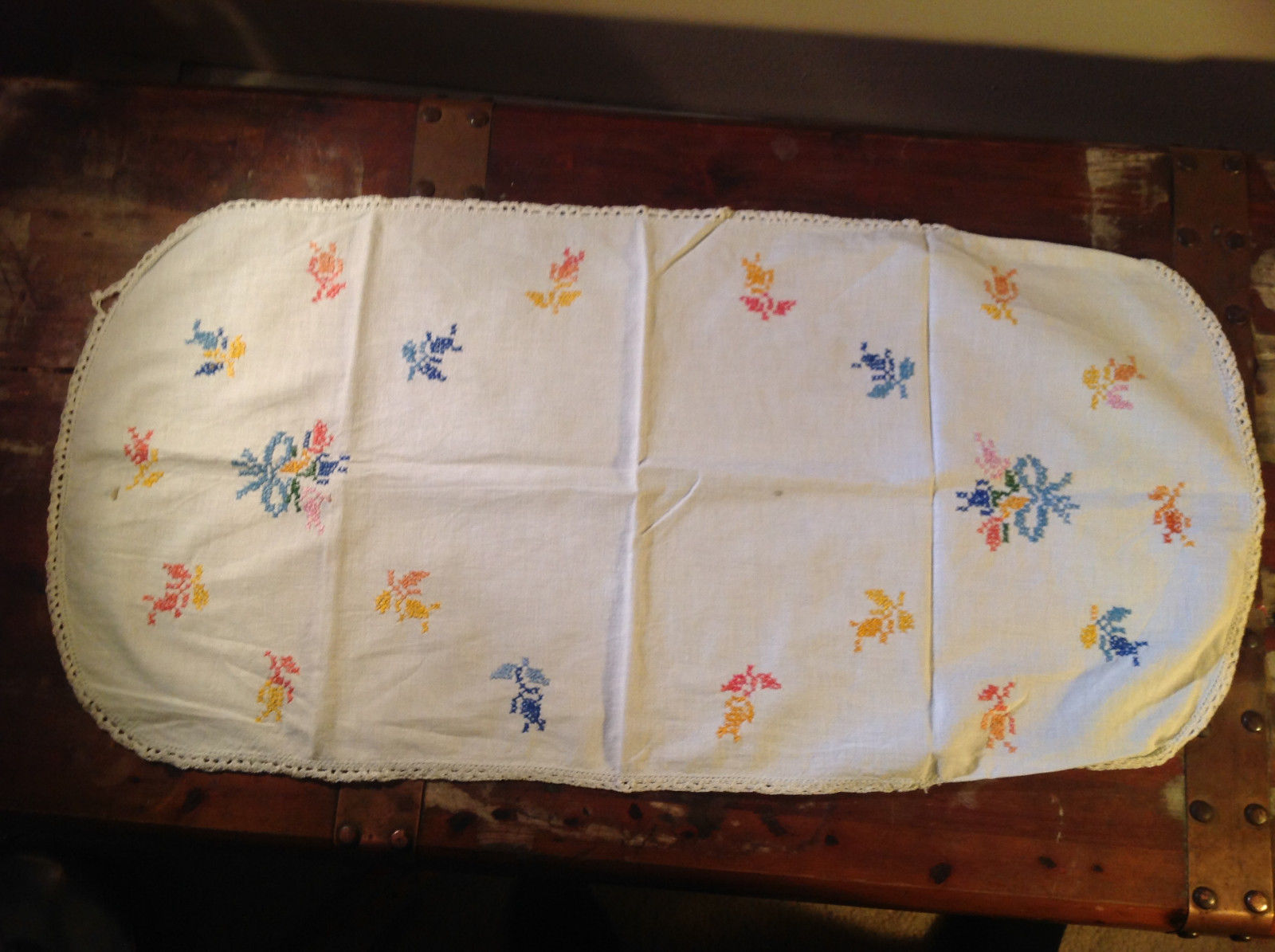 Lot of tablecloths table linens and placements clean excellent condition