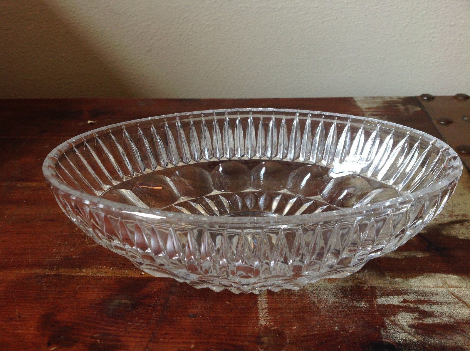 Oval Shaped Relief Crystal Glass Bowl
