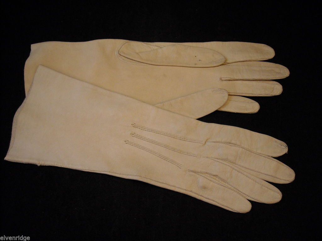 Pair of Off White Leather gloves (1950s-1960s)
