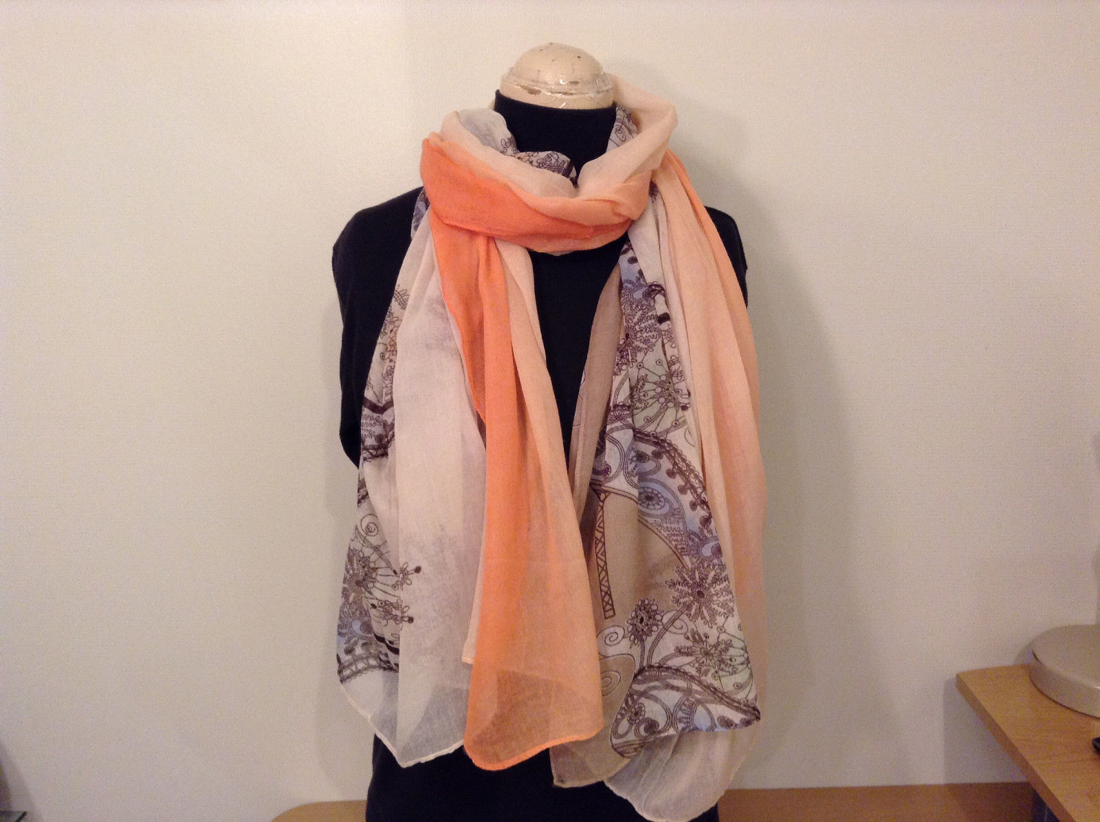 """MAD fashion New scarf """"Spring"""" High Heel Shoe Pattern, in choice of color"""