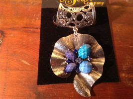Lovely Scarf Pendant with Blue and Light Blue Stones and Crystals Silver Tone
