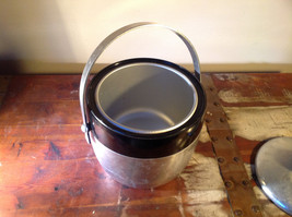 Large Metal Insulated vintage ice bucket w Handle and Lid 7 Inches High image 4