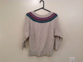 American Eagle Outfitters Gray with Striped Decoration Sweater Size Medium image 2