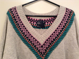 American Eagle Outfitters Gray with Striped Decoration Sweater Size Medium image 3