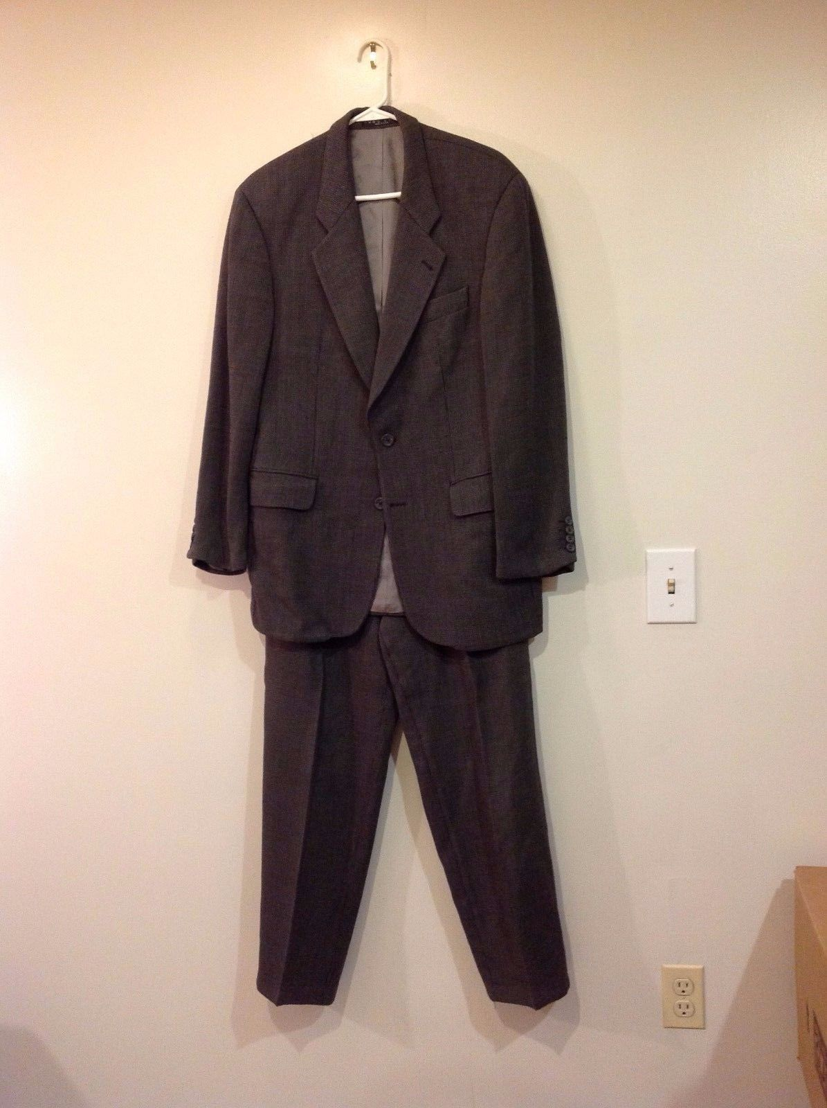 Man's  two piece suit jacket pants Hugo Boss black w white dots gray