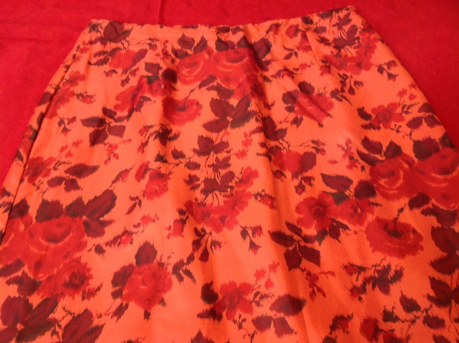 Maxon Women's Red Floral Skirt size 8