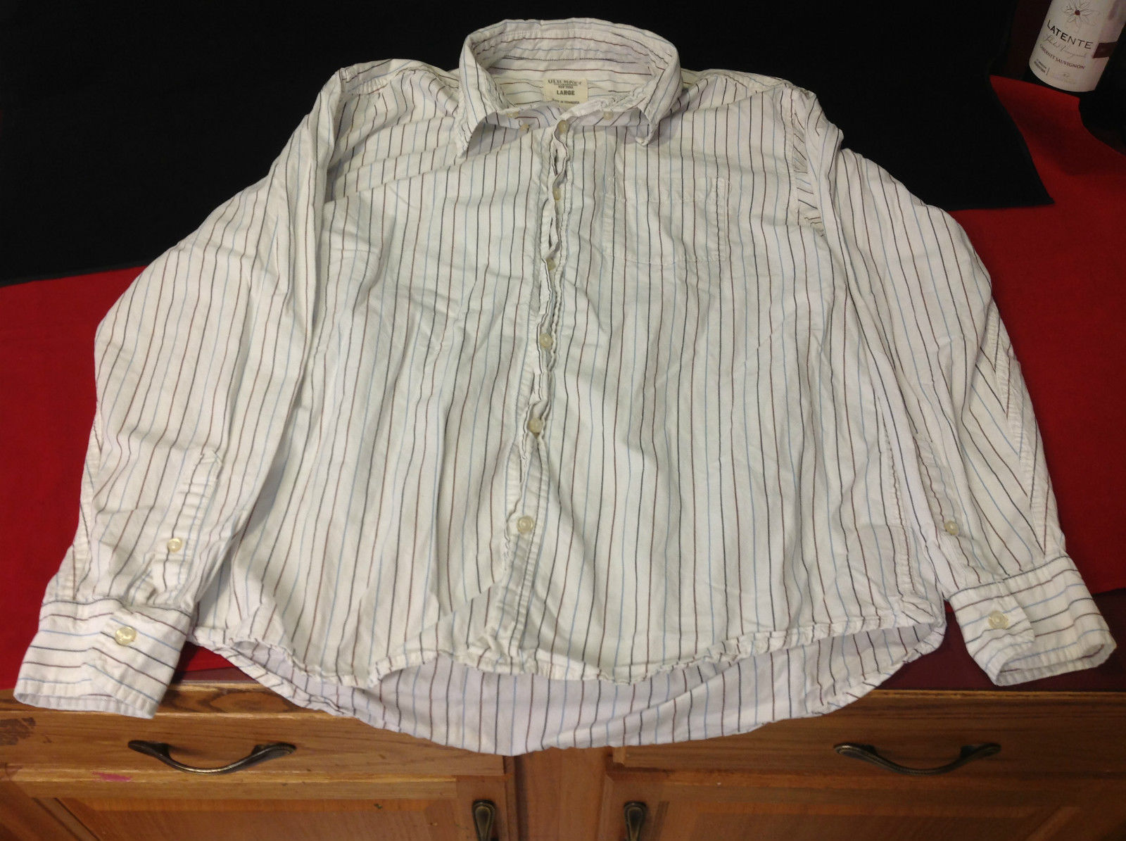 Mens Old Navy White with Burgandy Stripes Good Condition Size Large