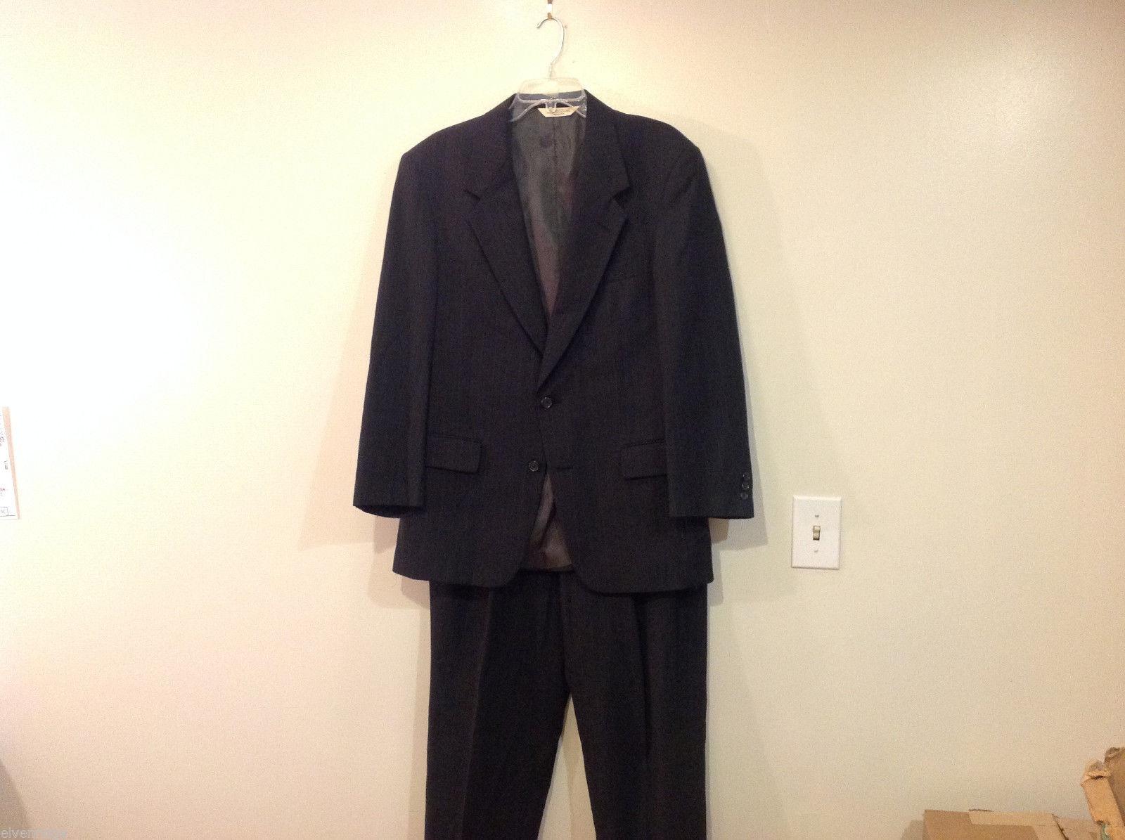 Mens Evan Picone custom made two piece suit dark gray chalk stripe100% wool