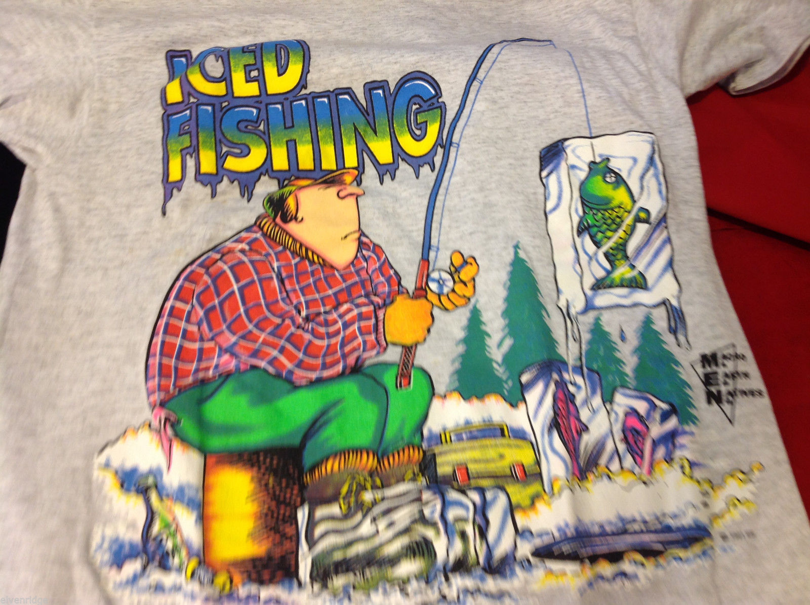 Mens T Shirt Iced Fishing Funny Outdoors Humor Graphic Tee size Medium M