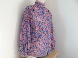 Laura Mae Pink Tan Navy Long Sleeve Button Up Blouse 3 Buttons at Neck Size M image 4