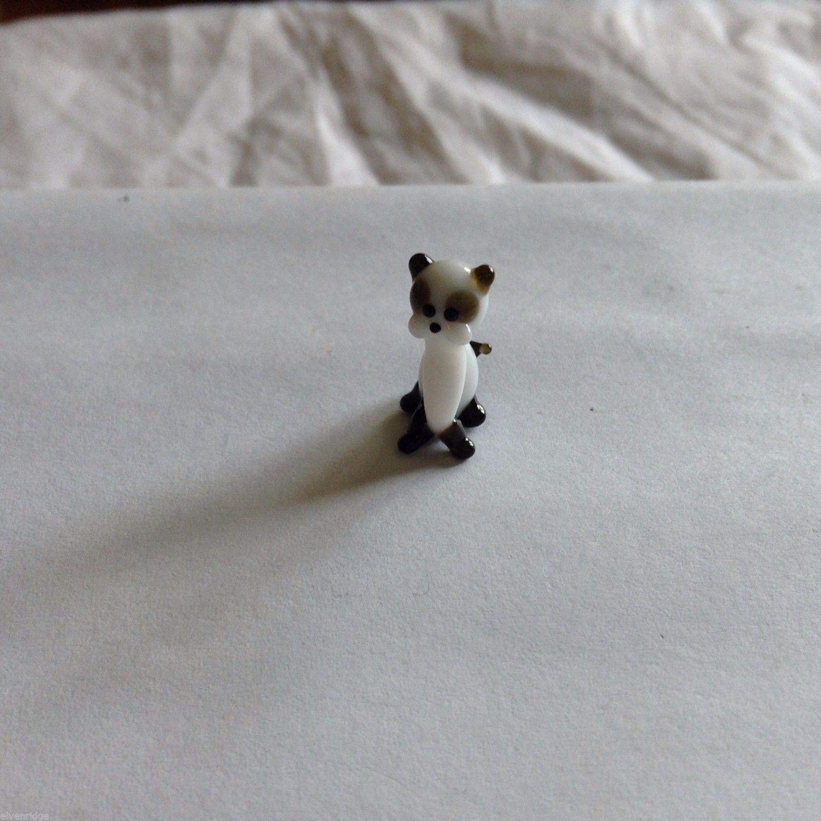 Micro Miniature small hand blown glass siamese  cat  made USA NIB