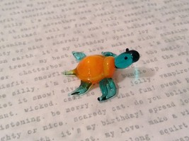 Micro miniature hand blown glass figurine blue turtle with orange shell USA NIB