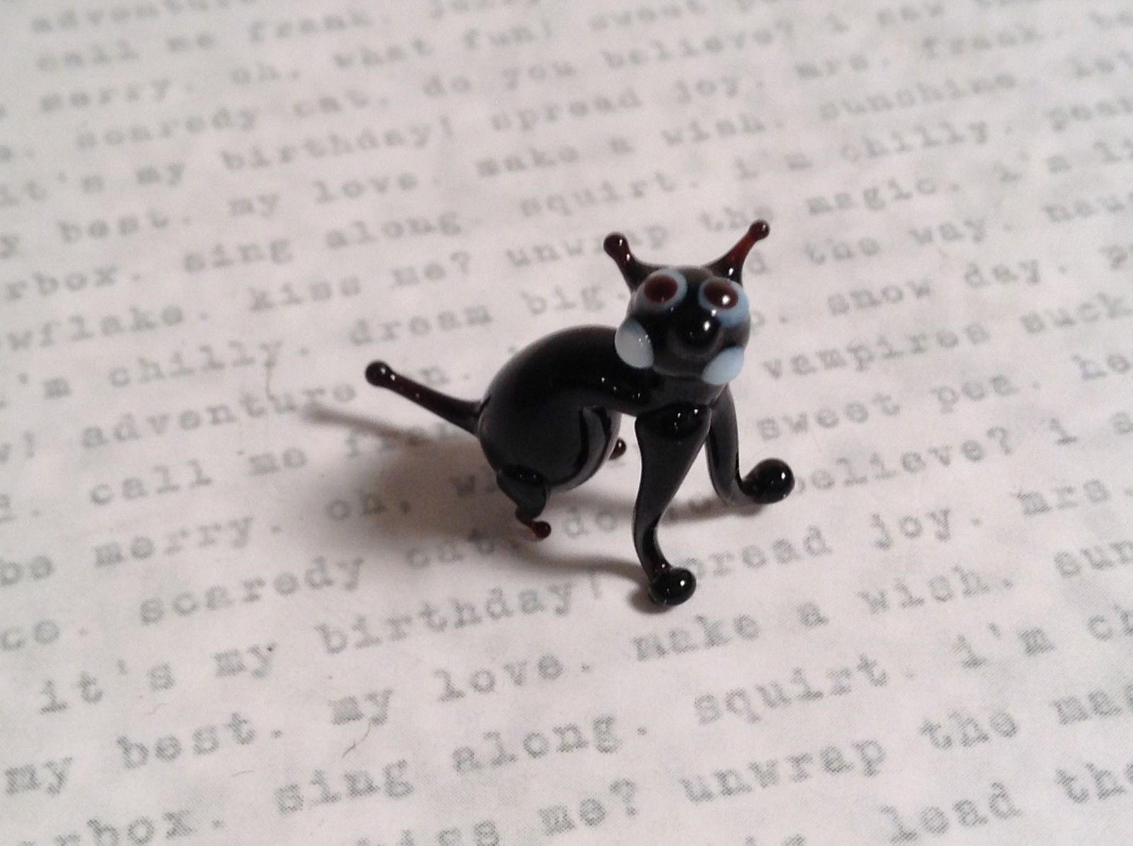 Micro miniature small hand blown glass black cat sitting USA made