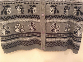 National Gray Vest Leaf Pattern Stripes Knitted V Neck Size 2X Button Closure image 5
