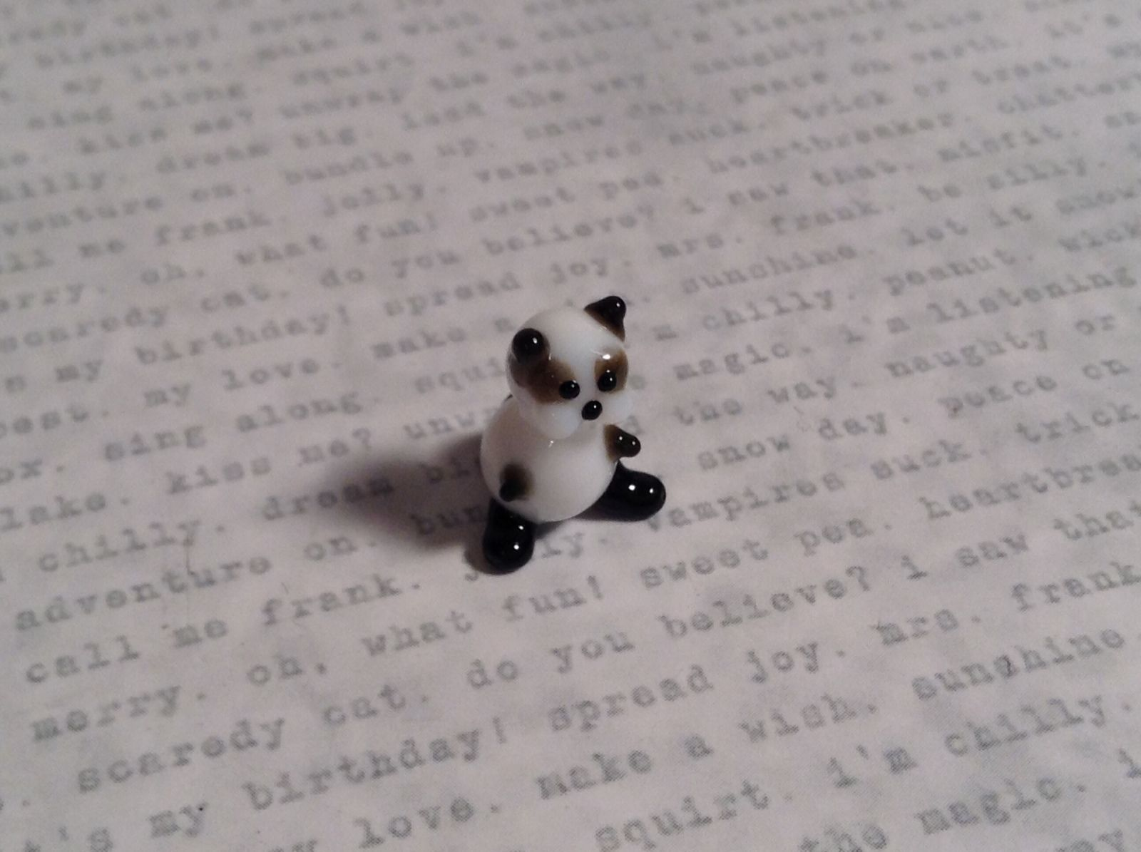 Micro miniature small hand blown glass figurine black white kitty cat USA  NIB