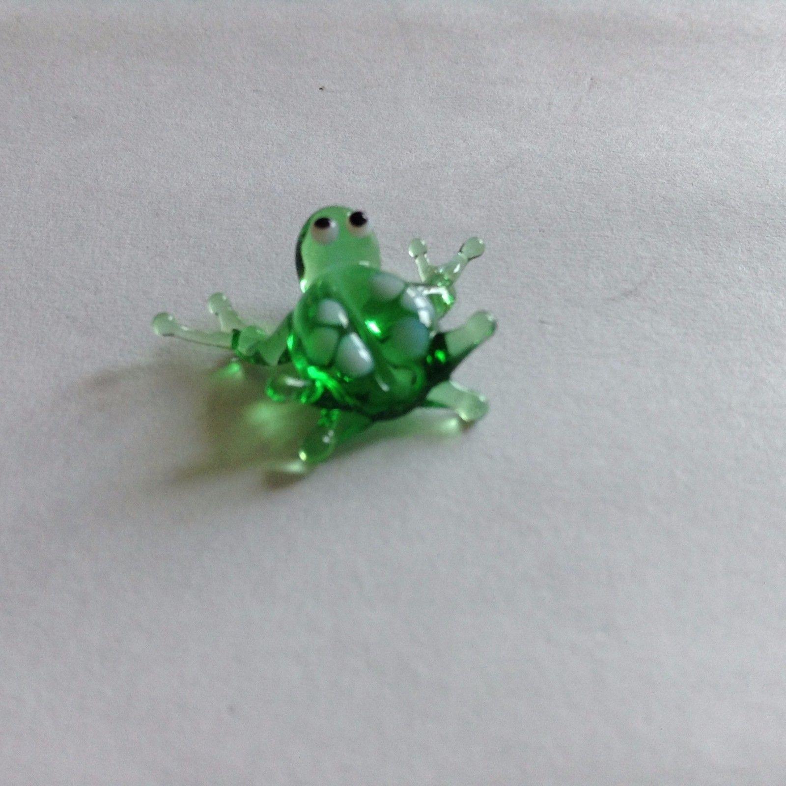 Micro miniature small hand blown glass figurine green frog white spots  USA  NIB