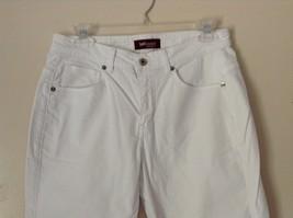 Lee Riveted Ultimate 5 White Capri Pants Size 8M image 2