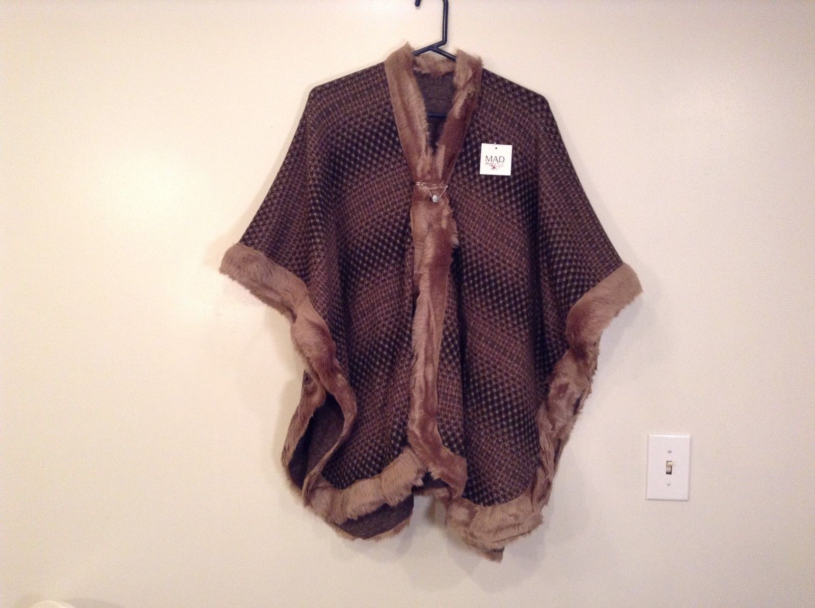 NEW Khaki Faux Fur Trimmed Lux Cape One Size MAD Style