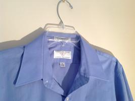 Light Blue Van Heusen Collared Button Up Dress Shirt Pocket on Chest Size 16 image 4