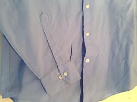 Light Blue Van Heusen Collared Button Up Dress Shirt Pocket on Chest Size 16 image 7
