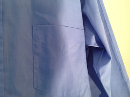 Light Blue Van Heusen Collared Button Up Dress Shirt Pocket on Chest Size 16 image 3