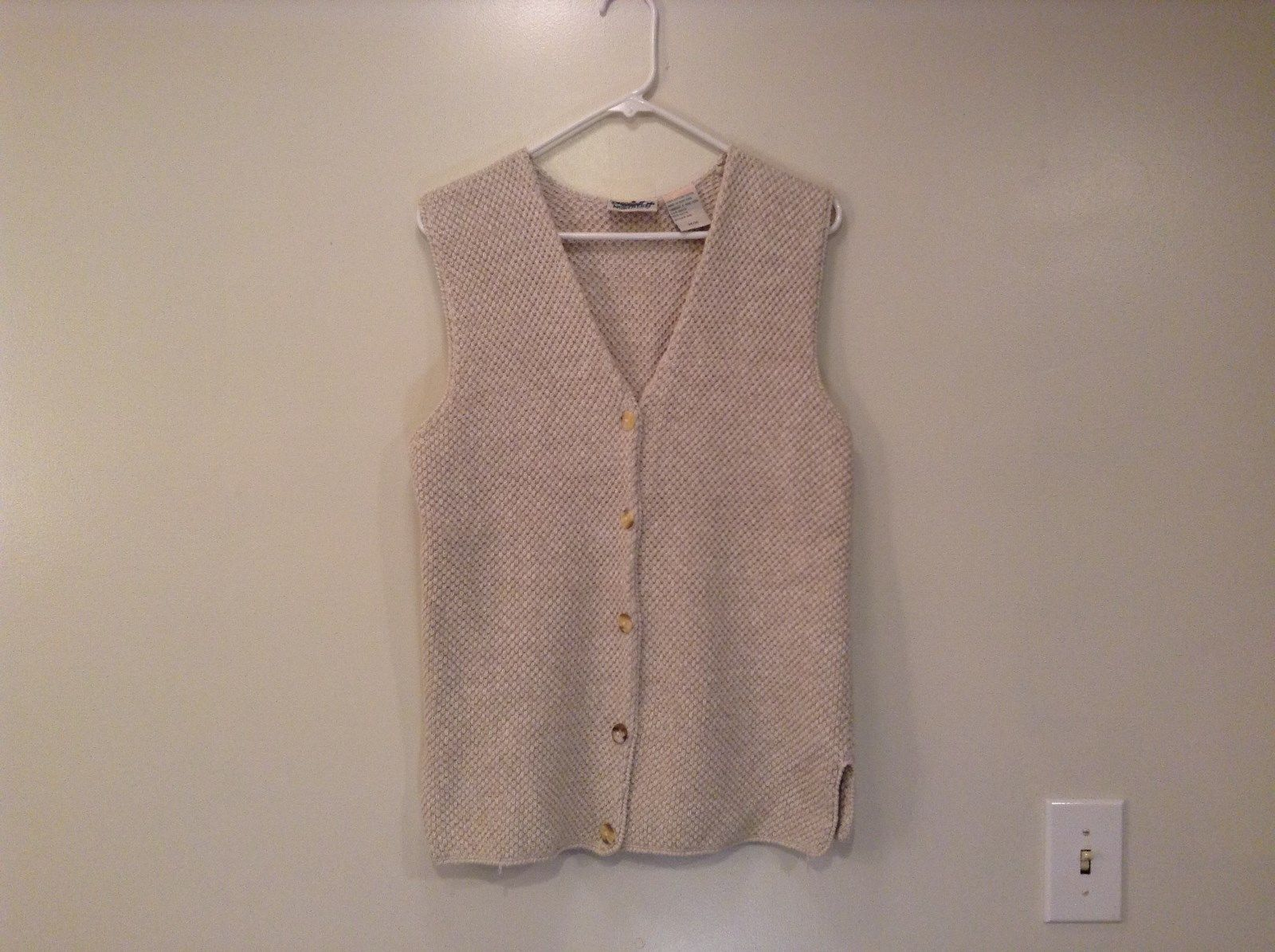 Natural Beige V Neck Knitted Vest 5 Button Closure Size M Northern Reflections