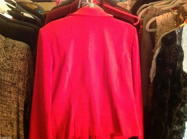 Amanda Smith Size 6 Red fitted suede jacket. image 2