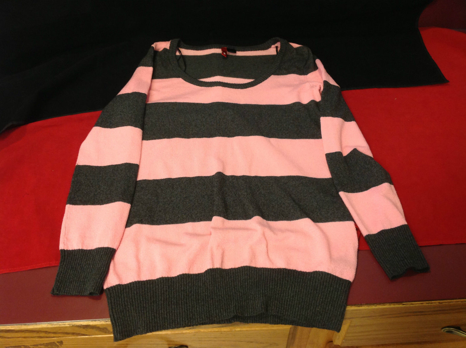 Pretty Pink and Gray Striped Ladies Sweater H&M Size 6