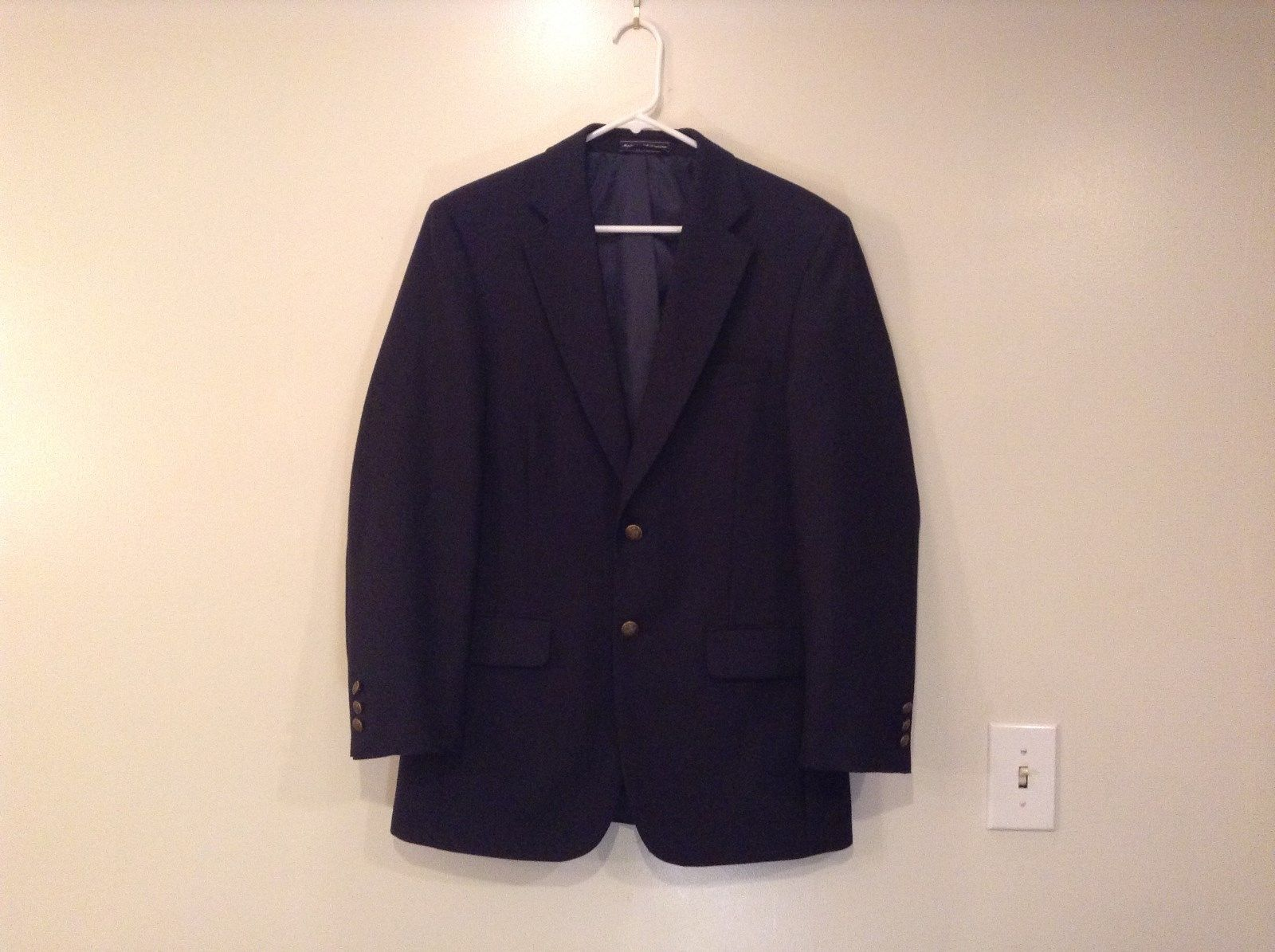 Navy Blue Fully Lined Sport Jacket Blazer 2 Button Closure Size 38R