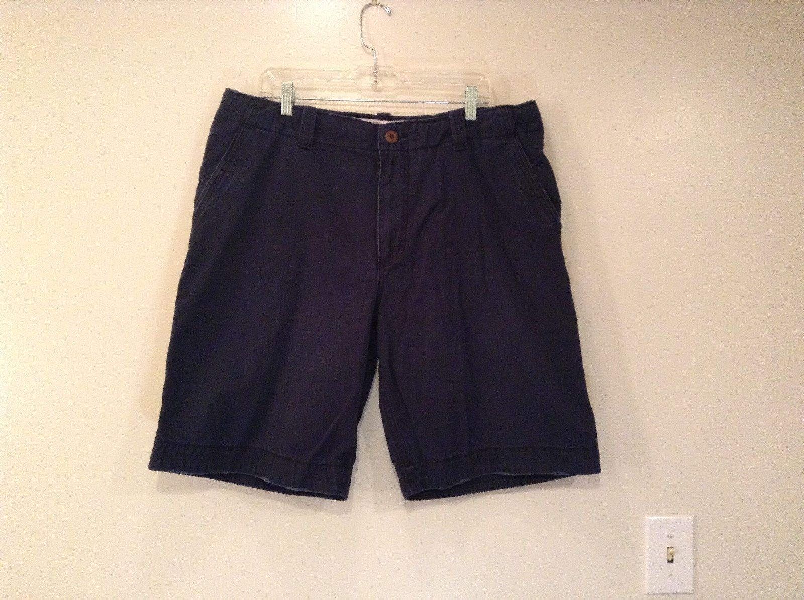 Navy Blue Size 38 Aeropostale Shorts 100 Percent Cotton Front Back Pockets