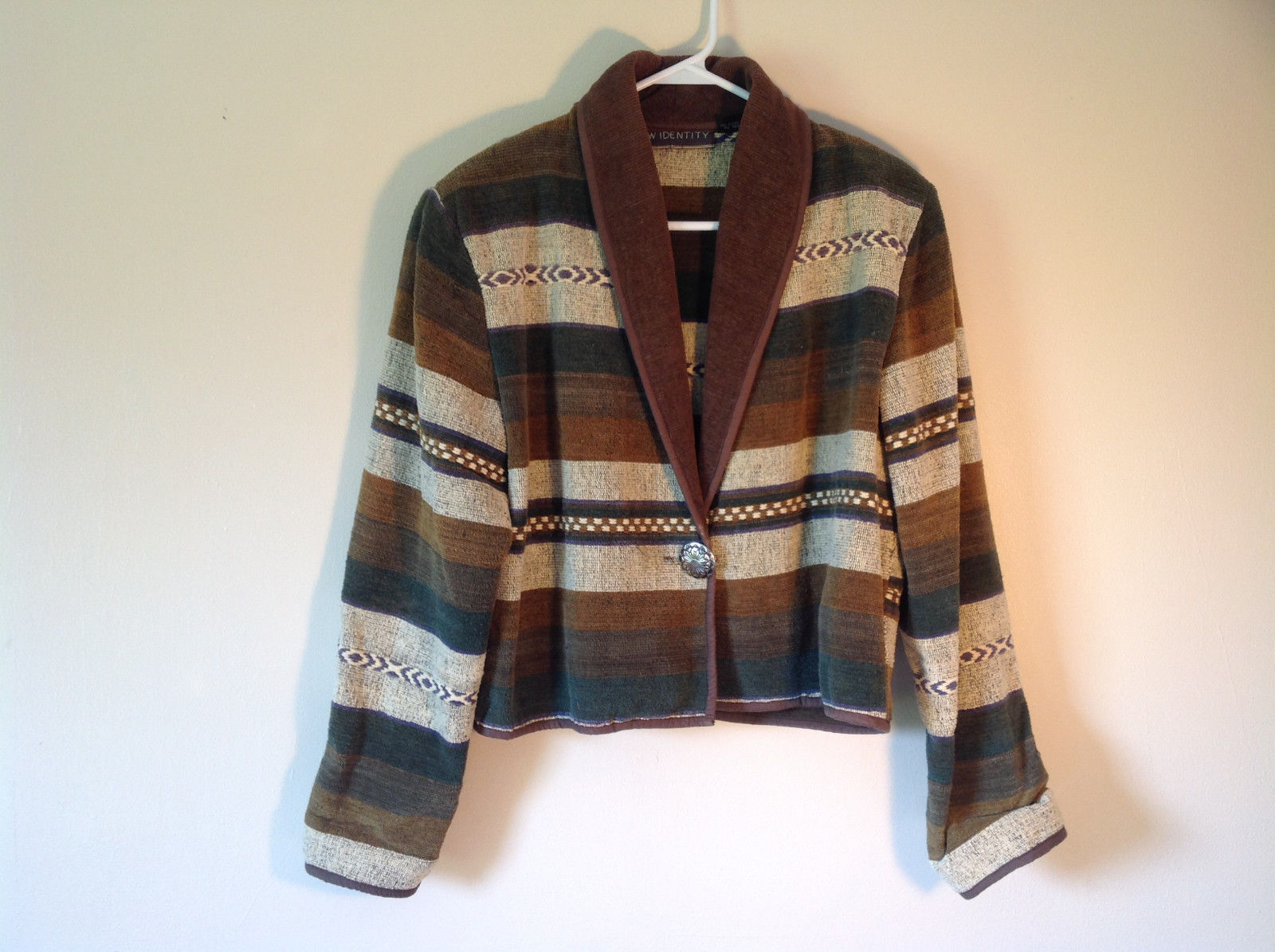 New Identity White Green Brown Striped Casual Sweater One Button Closure