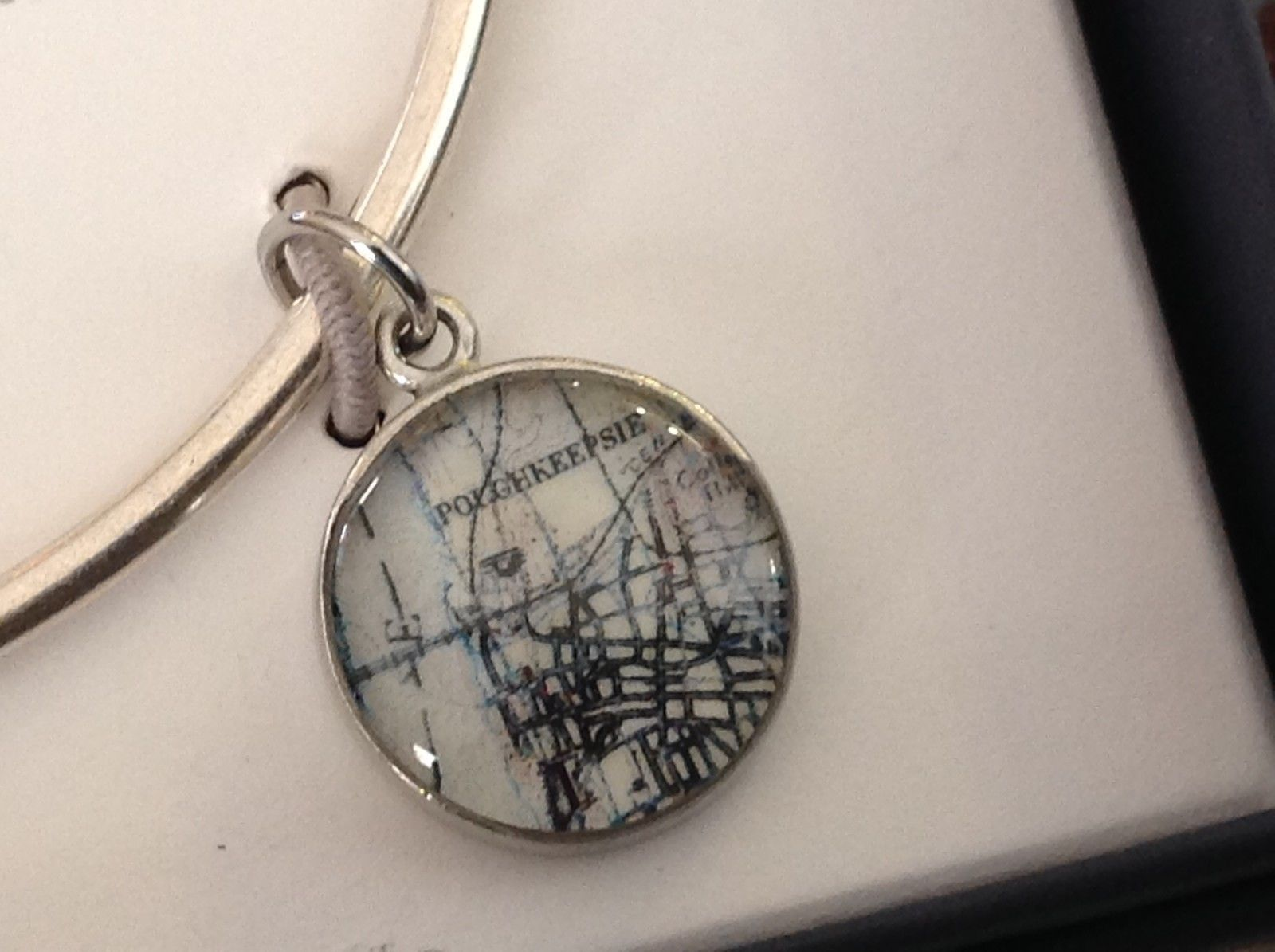 New Pewter hand made bangle bracelet Poughkeepsie vintage map round charm