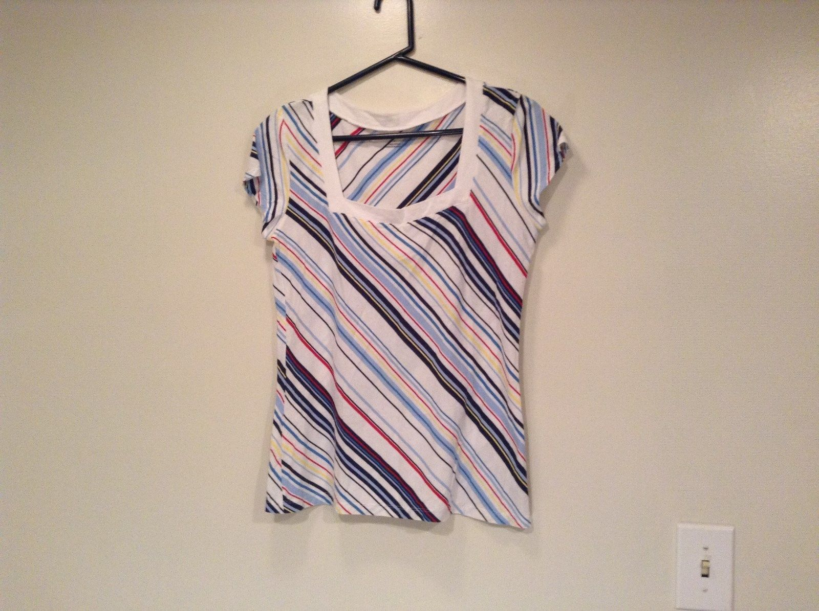 New York and Company Short Sleeve Top White with Blue Red Yellow Stripes Size M