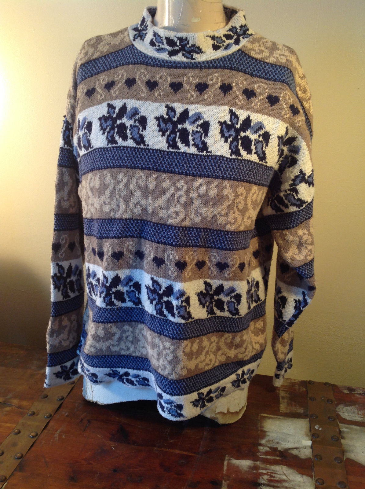 North American Sweaters Blue White Gray Design Hearts Stripes Long Sleeve