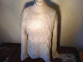 Off White H and M Soft Knitted Pattern on Front Back Turtleneck Sweater Size M