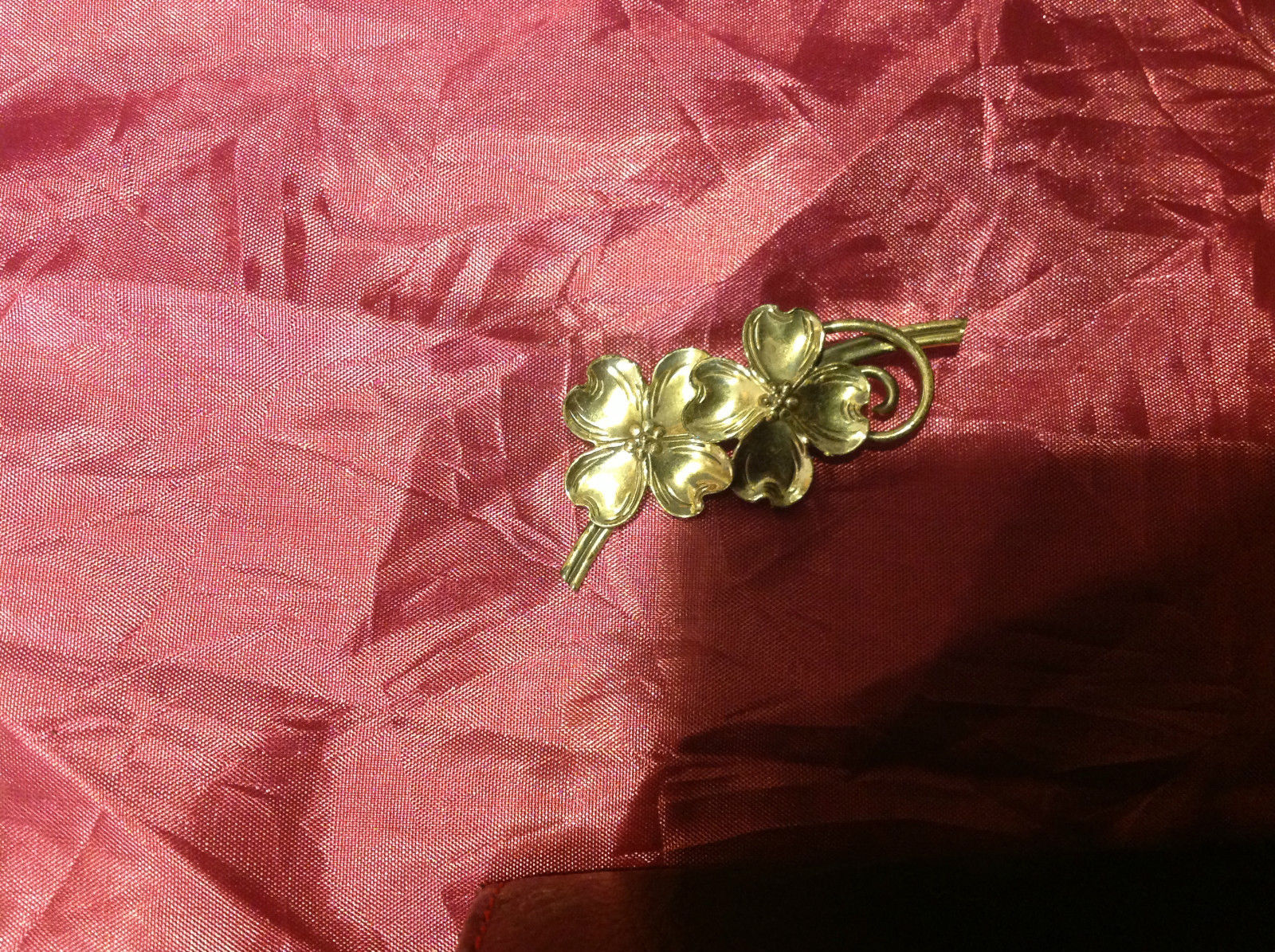 Pretty Silver Colored Brooch 2 Flowers 3 Inches sterling dogwood vintage